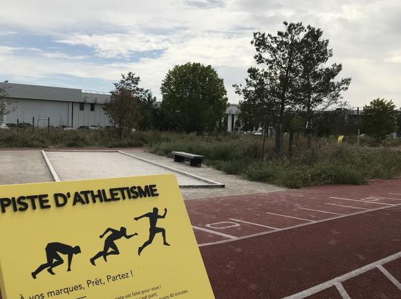 Parc Icade Paris-Orly Rungis : la piste d'athlétisme.