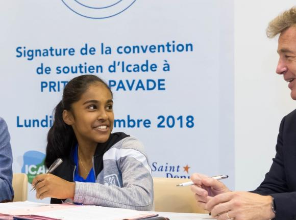 La jeune pongiste de 16 ans, Prithika Pavade, parrainée par Icade jusqu'aux Jeux olympiques 2024, remporte succès sur succès.